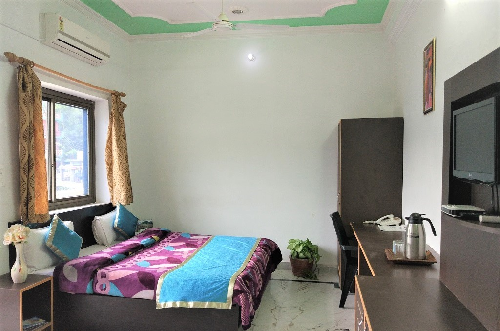 accommodation rishikesh