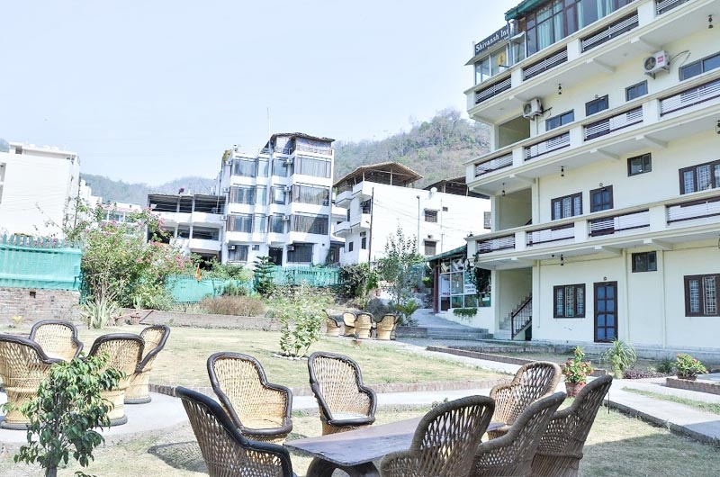 Booking Cheap Hotels in Rishikesh
